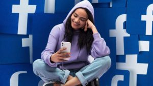 Download and Save Facebook Videos on Desktop, Android or iPhone